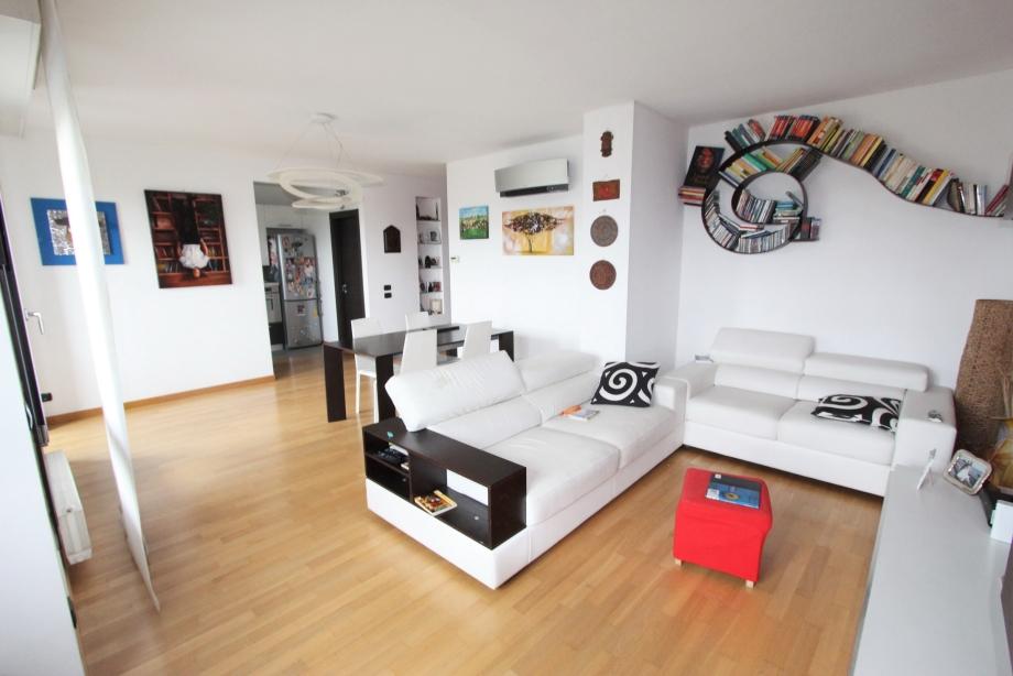 Appartamento in condominio di 3 locali a milano bruzzano for Compro casa milano