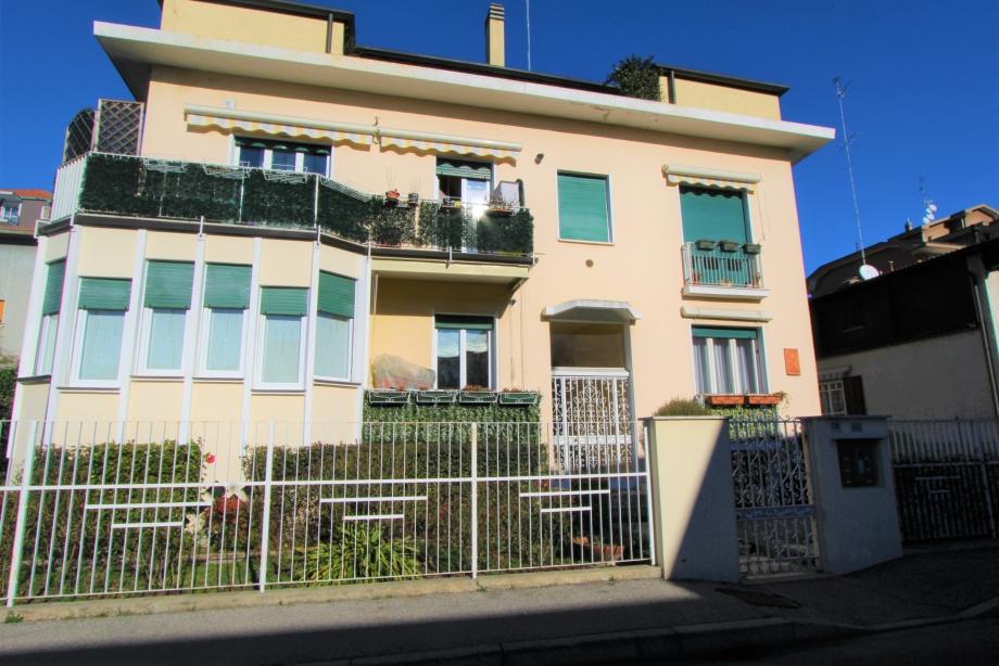 BRESSO - Appartamento in palazzina in vendita (ID: 6245)