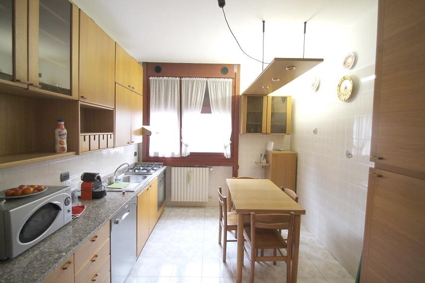Appartamento in palazzina di 3 locali MILANO BICOCCA di 115 mq