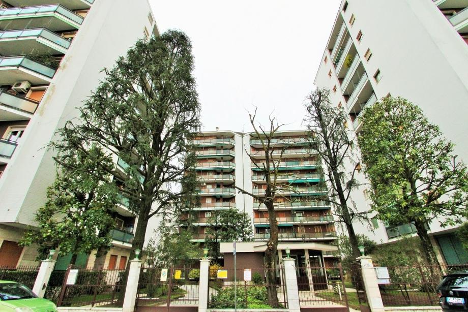 CINISELLO BALSAMO - Appartamento in condominio in vendita (ID: 6275)
