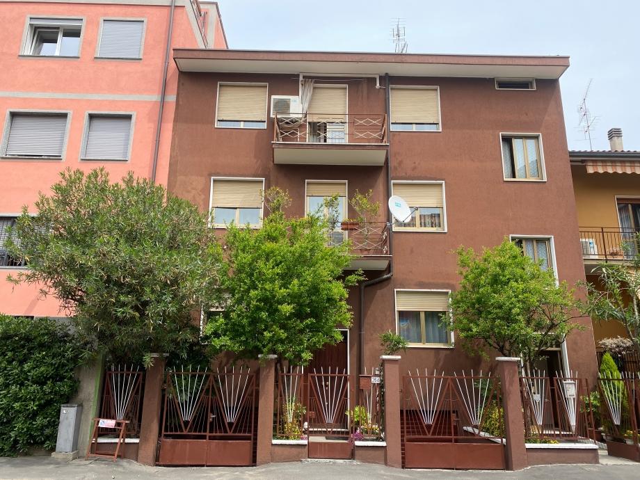 SESTO SAN GIOVANNI - Porzione di villa bifamiliare in vendita (ID: 6304)