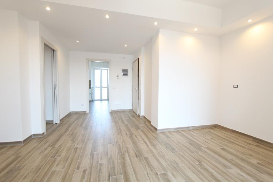 BRESSO - Appartamento in condominio in vendita (ID: 6336)