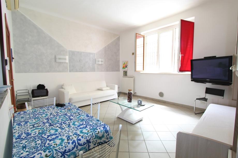 BRESSO - Appartamento in palazzina in vendita (ID: 6355)