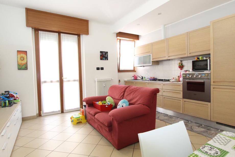 Appartamento in condominio di 2 locali BRESSO di 60 mq