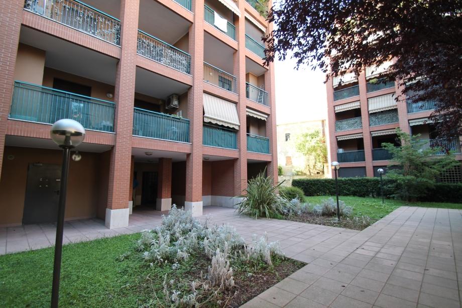 MILANO - VIALE CERTOSA - Appartamento in condominio in vendita (ID: 6410)