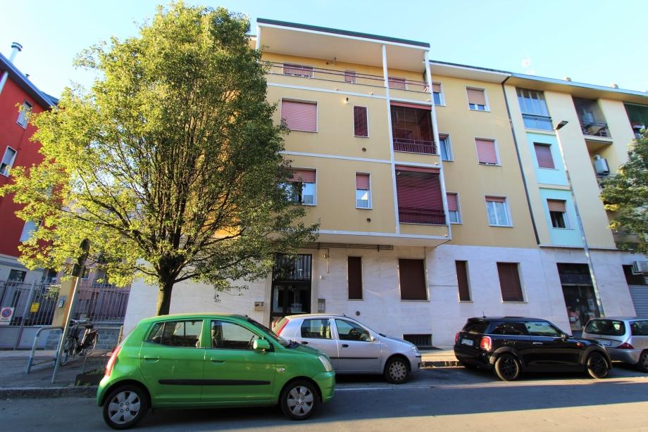 BRESSO - Appartamento in palazzina in vendita (ID: 6457)