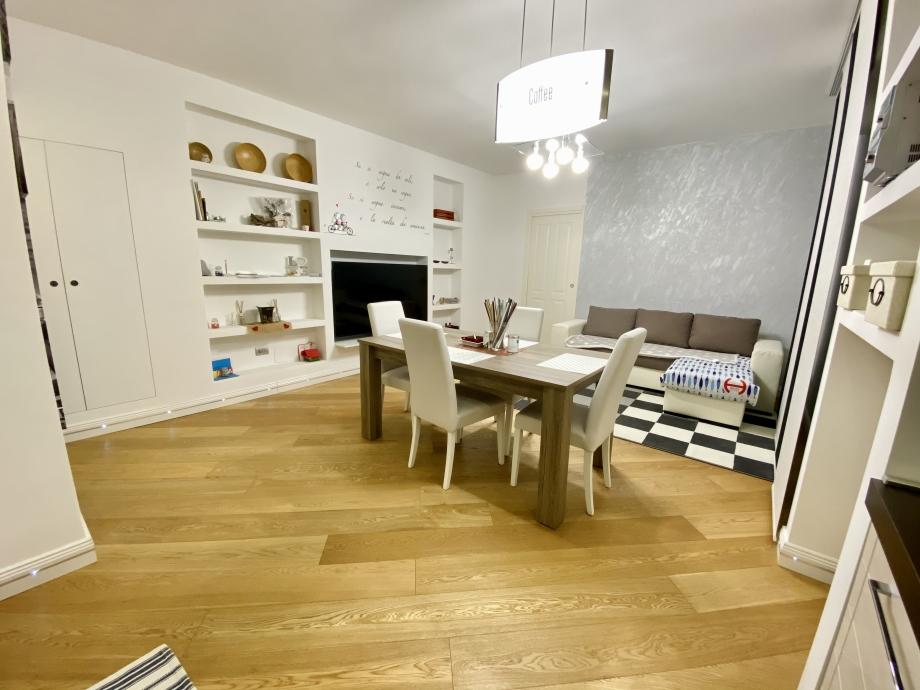 Appartamento in palazzina di 2 locali BRESSO di 63 mq