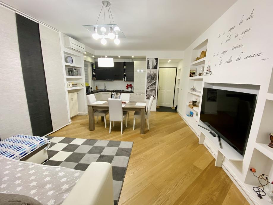 BRESSO - Appartamento in palazzina in vendita (ID: 6483)