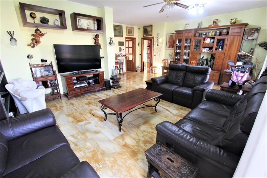 BRESSO - Appartamento in condominio in vendita (ID: 6555)