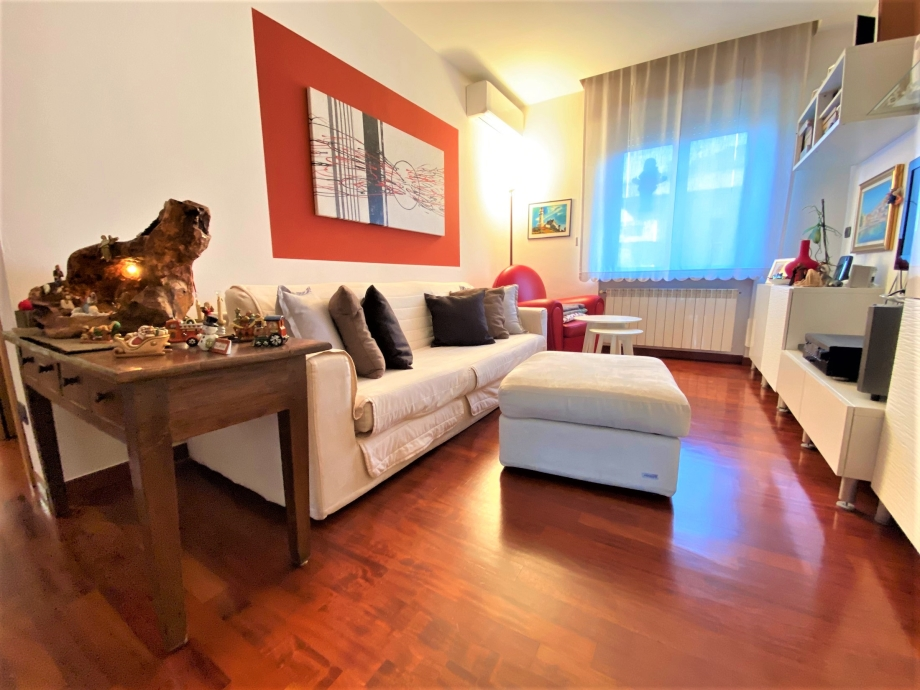 BRESSO - Appartamento in palazzina in vendita (ID: 6583)