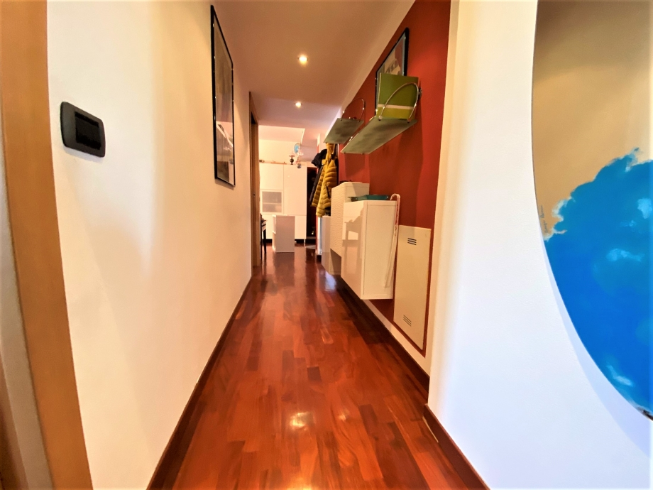 Appartamento in palazzina di 3 locali BRESSO di 86 mq