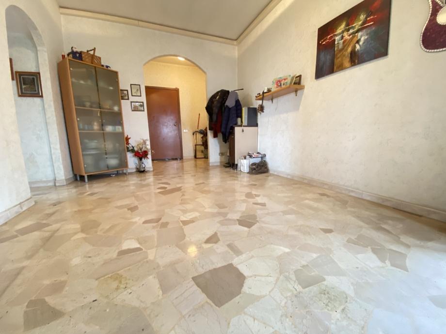 Appartamento in condominio di 2 locali BRESSO di 69 mq