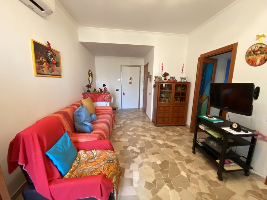 Appartamento in condominio di 2 locali BRESSO di 71 mq