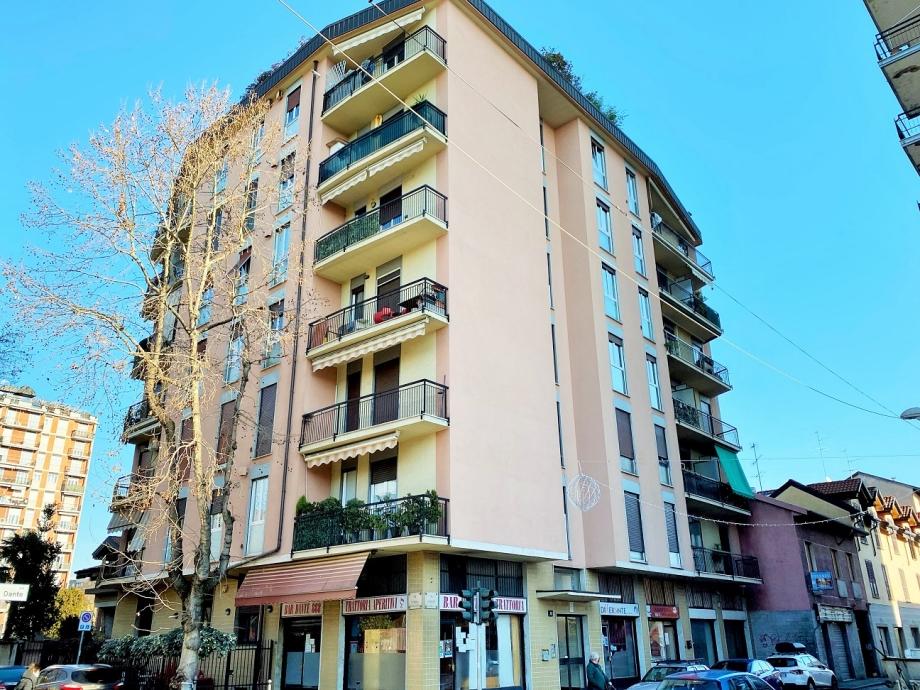 CINISELLO BALSAMO - Appartamento in condominio in vendita (ID: 6598)