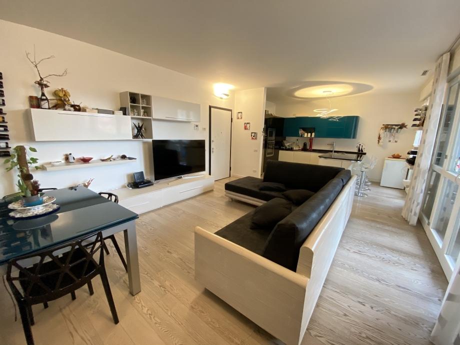 BRESSO - Appartamento in condominio in vendita (ID: 6633)