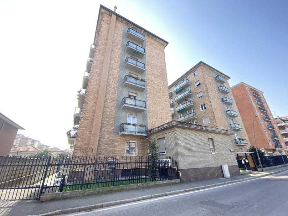 BRESSO - Appartamento in condominio in vendita (ID: 6657)