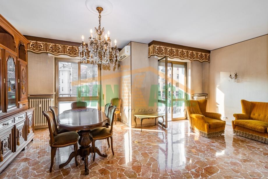 MILANO - Appartamento in condominio in vendita (ID: 6675)