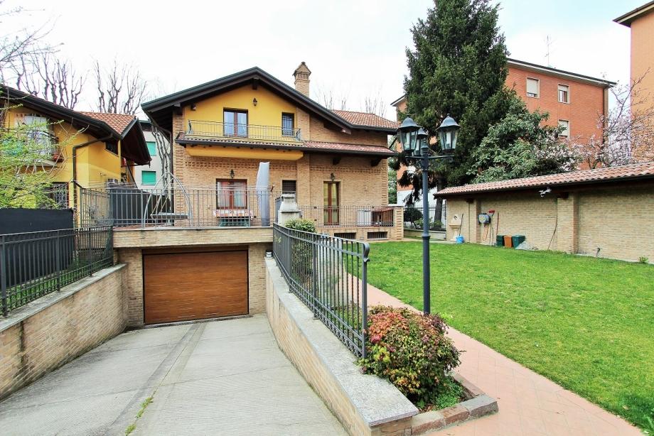 CINISELLO BALSAMO - Villa singola in vendita (ID: 6676)
