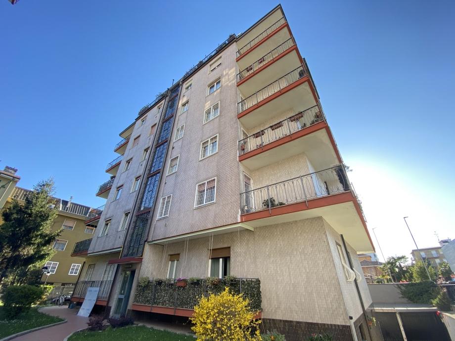BRESSO - Appartamento in condominio in vendita (ID: 6678)