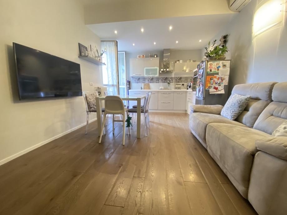 BRESSO  - Appartamento in palazzina in vendita (ID: 6684)