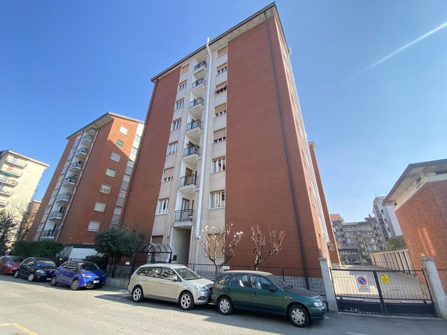 BRESSO - Appartamento in condominio in vendita (ID: 6690)