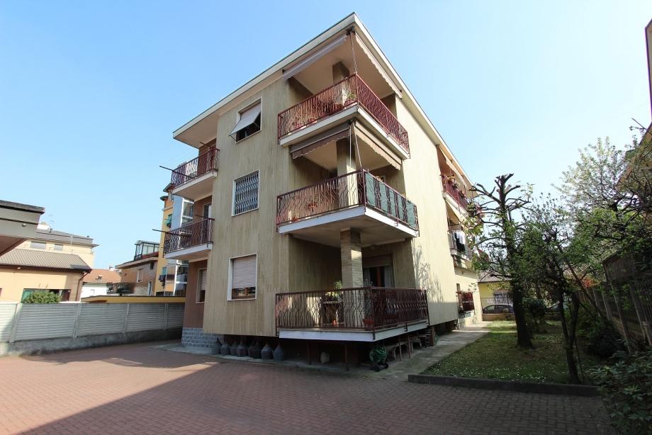 CINISELLO BALSAMO - Appartamento in palazzina in vendita (ID: 6698)