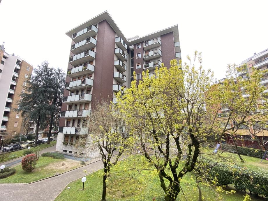 BRESSO  - Appartamento in condominio in vendita (ID: 6702)