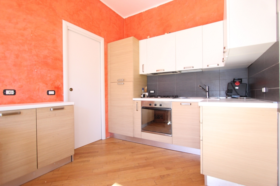 MILANO NIGUARDA - Casa di ringhiera in vendita (ID: 6776)