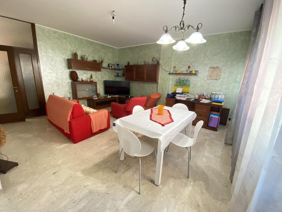 Appartamento in palazzina di 4 locali BRESSO di 140 mq