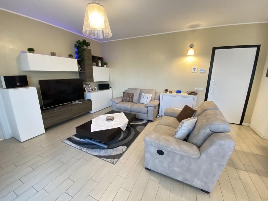 BRESSO  - Appartamento in condominio in vendita (ID: 6806)