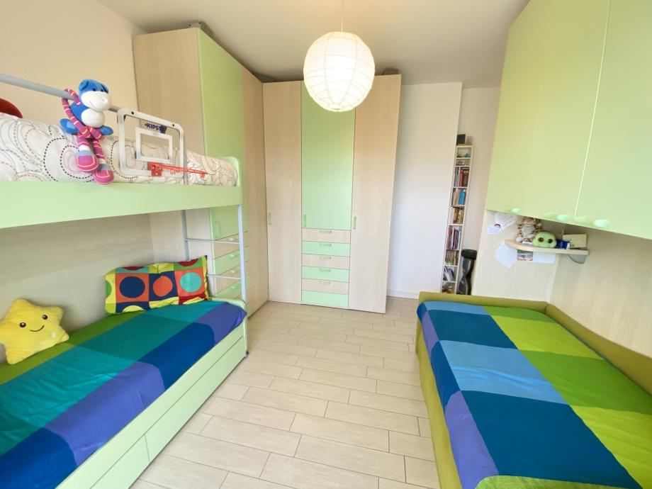 Appartamento in condominio di 4 locali BRESSO  di 125 mq