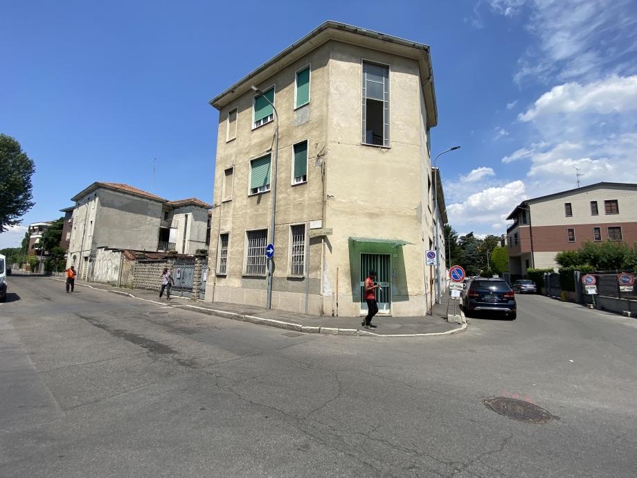 BRESSO  - Appartamento in palazzina in vendita (ID: 6823)