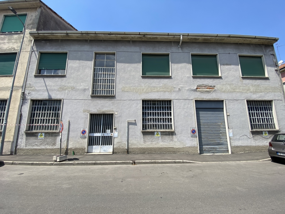 Appartamento in palazzina di 10 locali BRESSO  di 729 mq