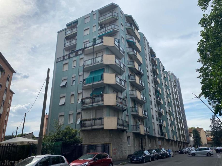 Appartamento in condominio di 3 locali BRESSO di 74 mq