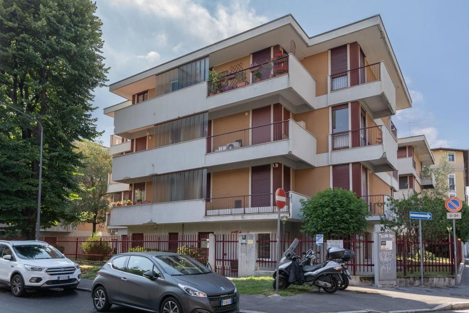 MILANO NIGUARDA - Appartamento in palazzina in vendita (ID: 6851)