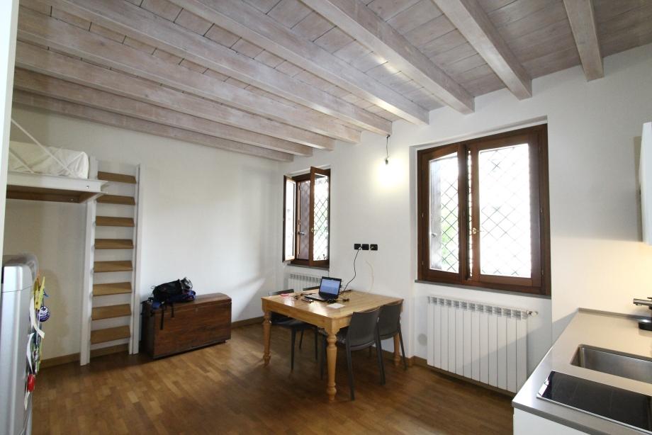 Appartamento in palazzina di 1 locale MILANO di 40 mq